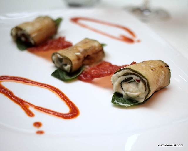Italian Cuisine - Image Credit: https://www.flickr.com/photos/cumidanciki/5292733647