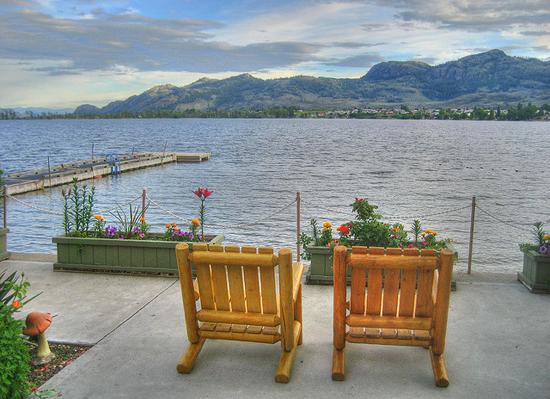 Osoyoos - Chill Evening - Image Credit: https://www.flickr.com/photos/keepitsurreal/2585158124/