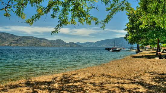 Peachland, Okanagan - Image Credit: https://www.flickr.com/photos/erwlas/7993012810/